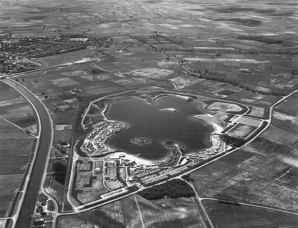 1976 - Luchtfoto De Huttenheugte
